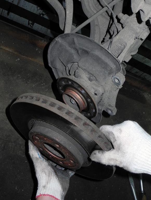 замене в колодок по тормозных инструкция