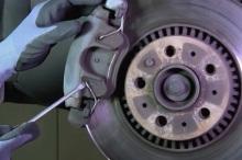 Замена тормозных колодок и дисков на Volvo